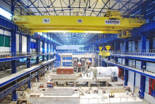 Более 65 лет производим мостовые краны грузоподъемностью до 500 тонн и более.  Среди наших референций - Газпром-нефть...