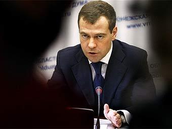 Медведев назвал брехней разговоры о технологическом коллапсе России