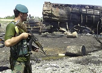 НАТО проводит следствие по налету на бензовозы в Афганистане