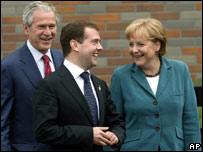 Медведев и Меркель обсудят Грузию в Сочи