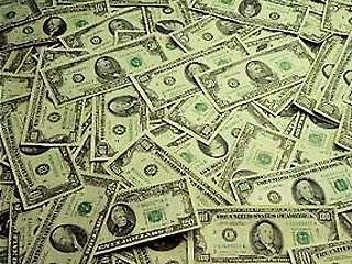 Доллар вырос на 8 копеек, евро подорожал на 7